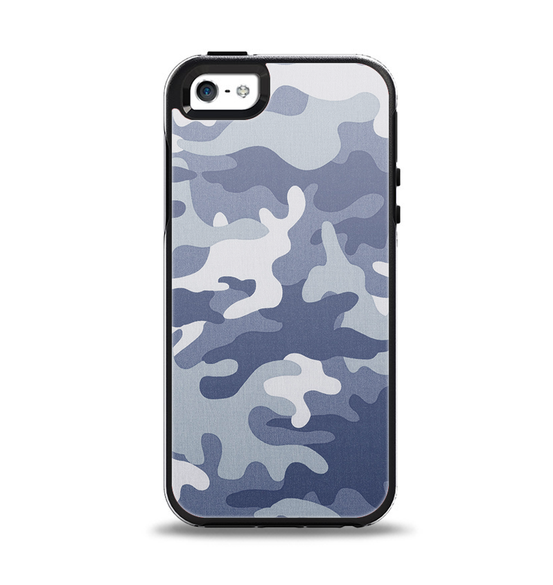 The Traditional Snow Camouflage Apple iPhone 5-5s Otterbox Symmetry Case Skin Set
