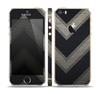 The Two-Toned Dark Black Wide Chevron Pattern Skin Set for the Apple iPhone 5s