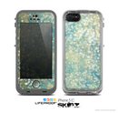 The Unfocused Green & White Drop Surface Skin for the Apple iPhone 5c LifeProof Case