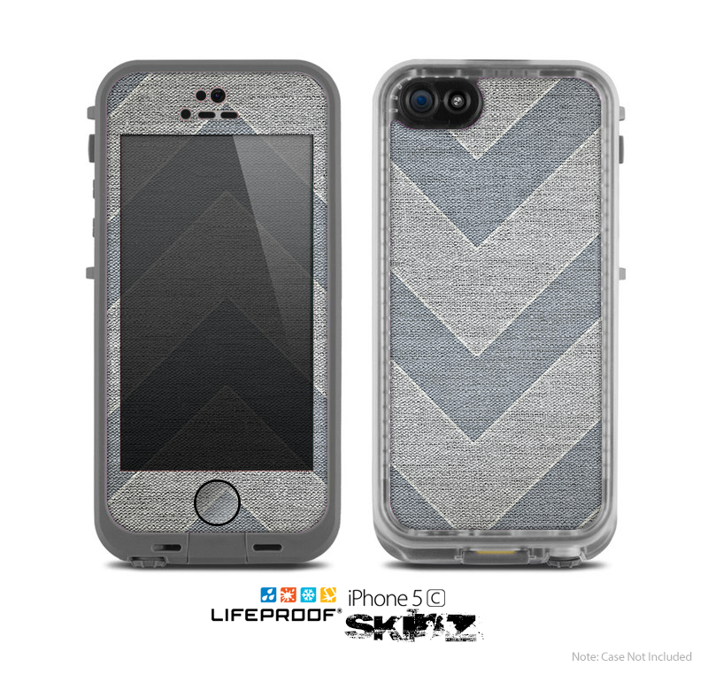 The Vintage Gray Textured Chevron Pattern Wide V3 Skin for the Apple iPhone 5c LifeProof Case