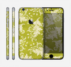 The Vintage Green & White Floral Pattern Skin for the Apple iPhone 6