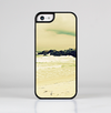 The Vintage Subtle Yellow Beach Scene Skin-Sert for the Apple iPhone 5c Skin-Sert Case