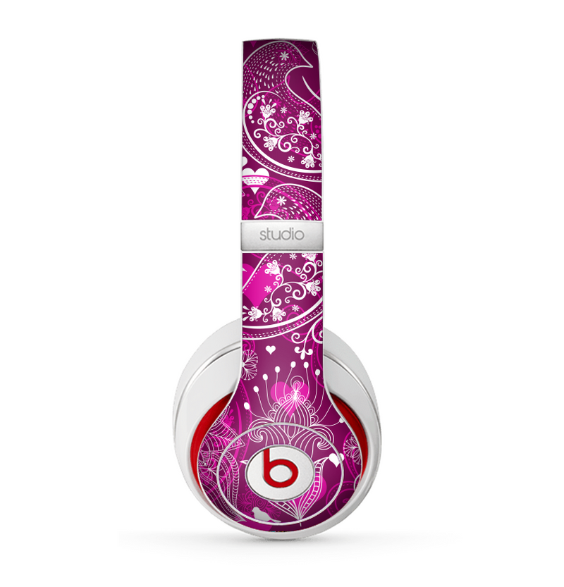 The Vivid Pink and White Paisley Birds Skin for the Beats by Dre Studio (2013+ Version) Headphones