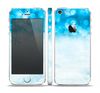 The Winter Blue Abstract Unfocused Skin Set for the Apple iPhone 5