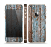 The Wood Planks with Peeled Blue Paint Skin Set for the Apple iPhone 5s