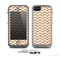 The Wood & White Chevron Pattern Skin for the Apple iPhone 5c LifeProof Case