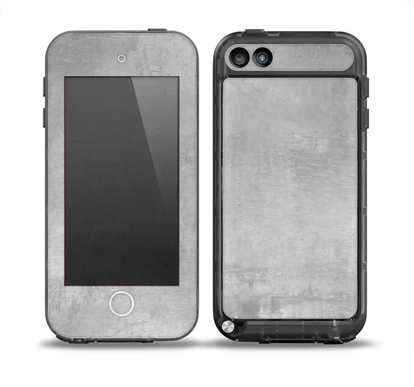 The Wrinkled Silver Surface Skin for the iPod Touch 5th Generation frē LifeProof Case