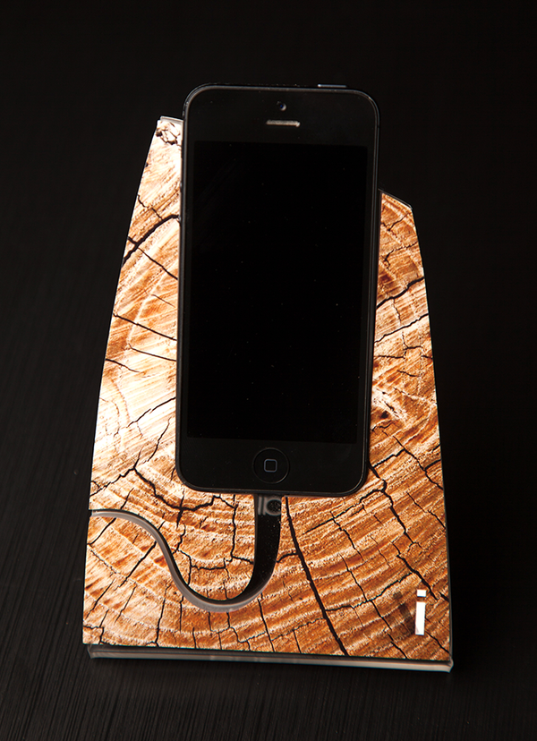 Cracked Wood iStand for the iPhone 4/4s or 5