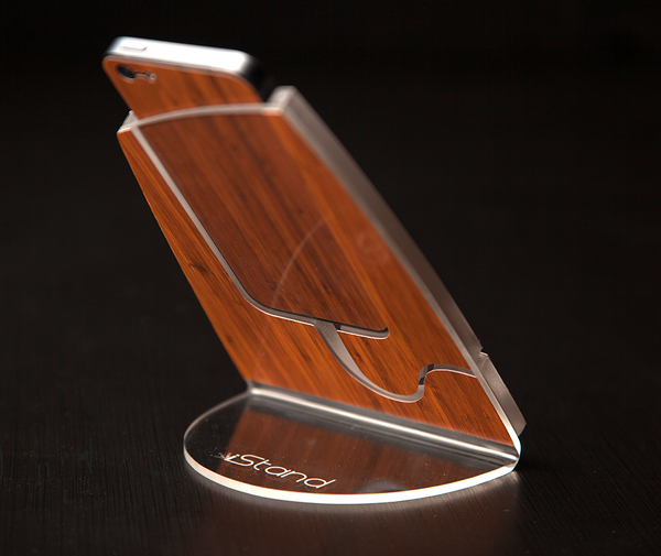 Bamboo Wood iStand for the iPhone 4/4s or 5