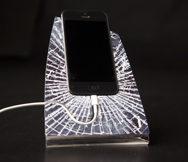 Shattered Glass iStand for the iPhone 4/4s or 5