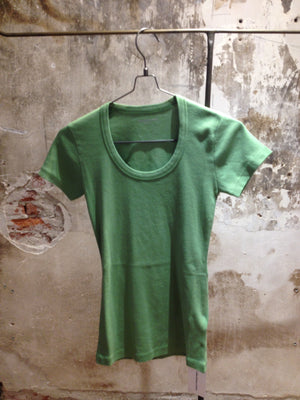 Suzanne T-shirt - Apple Green
