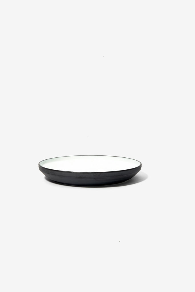 RIM Plate 160 mm Black, Tableware, Kinto - Six and Sons
