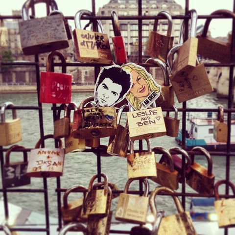 Leslie and Ben padlock in Paris