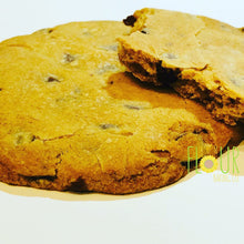 Load image into Gallery viewer, Chocolate Chip Cookie