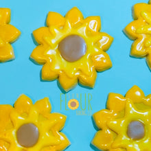 Load image into Gallery viewer, Sunflower Cookie
