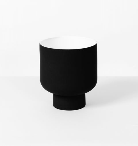 Middle Of Nowhere - Graphic Black Planter - The Minimalist Store