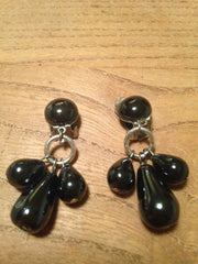 Chic 1950s stylish black glass drop clip on earrings - Wowie Zowie  - 1