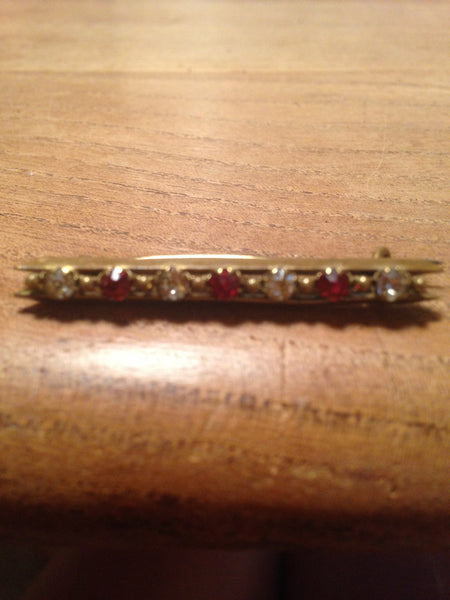 Subtly sparkling 1960s ruby red and white diamante rhinestone bar brooch set in gold tone mount - Wowie Zowie  - 1
