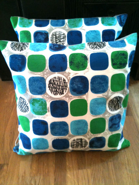 Perfectly plump handsewn feather cushions vintage fabric - Wowie Zowie