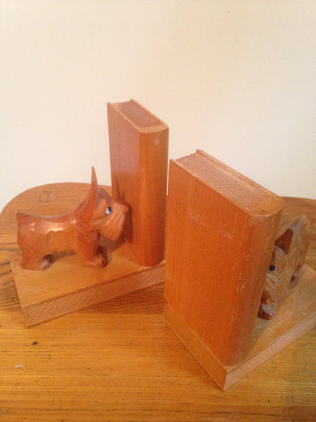 Such sweet scotty dogs 1960s German carved wooden vintage bookends - Wowie Zowie  - 2