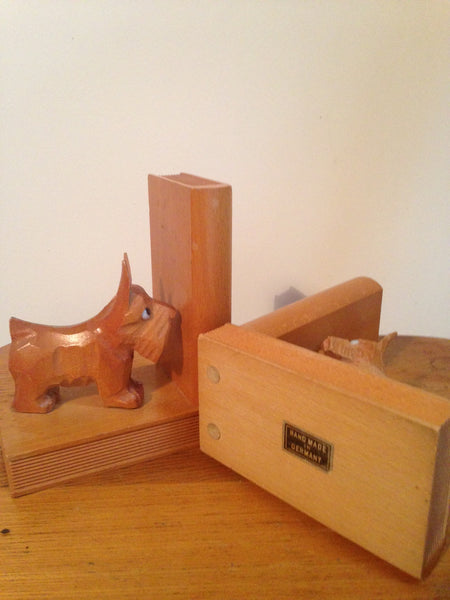 Such sweet scotty dogs 1960s German carved wooden vintage bookends - Wowie Zowie  - 3