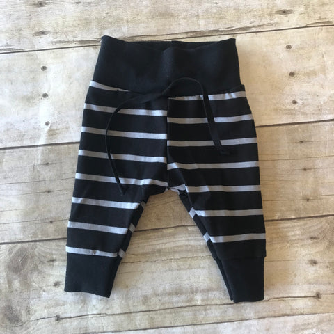 Black and Grey Stripe Leggings