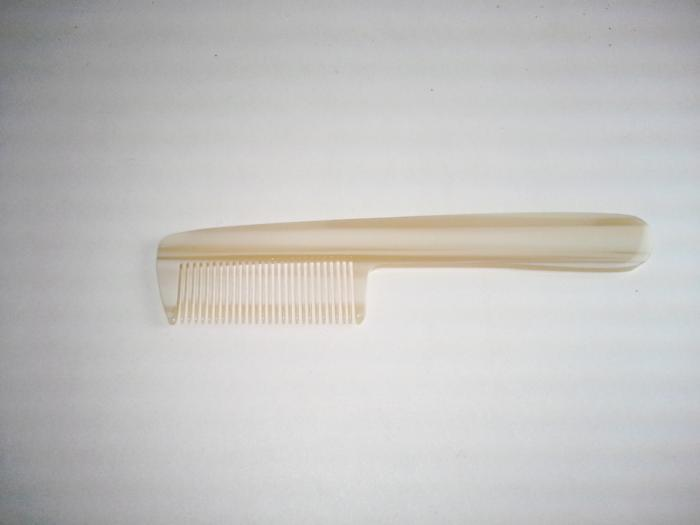 comb used by fly tiers essential tool used for removing under fur that can prevent hair from stacking or spinning well