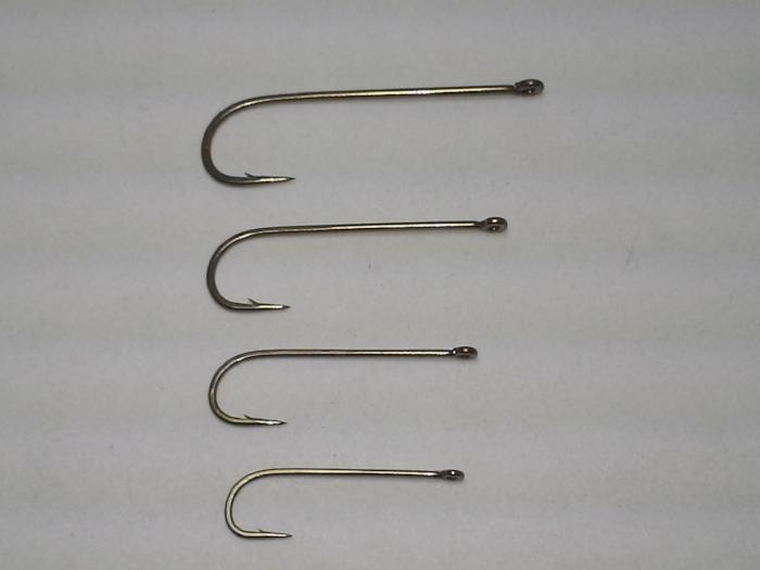 Mustad R75S-9674  streamer hook 25 count package