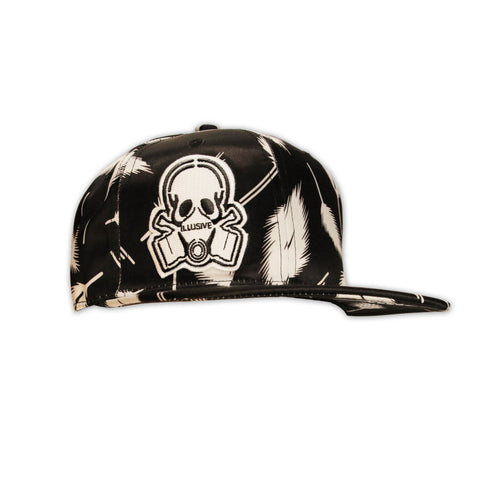 BLACK AND WHITE FEATHER PRINT SNAPBACK HAT