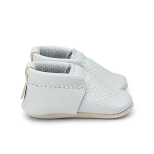 Heyfolks Newborn Soft Sole Shoe - Glacier Side