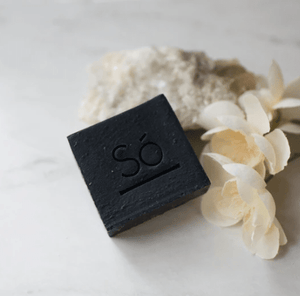 So Luxury Cleansing Bar - Charcoal - detail