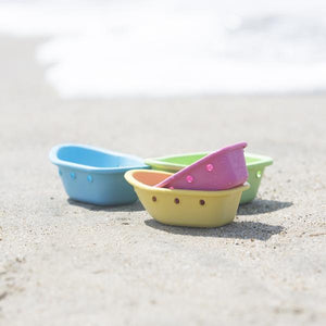 Green Sprouts Sprout Ware Floating Stacking Boats Lifestyle 1