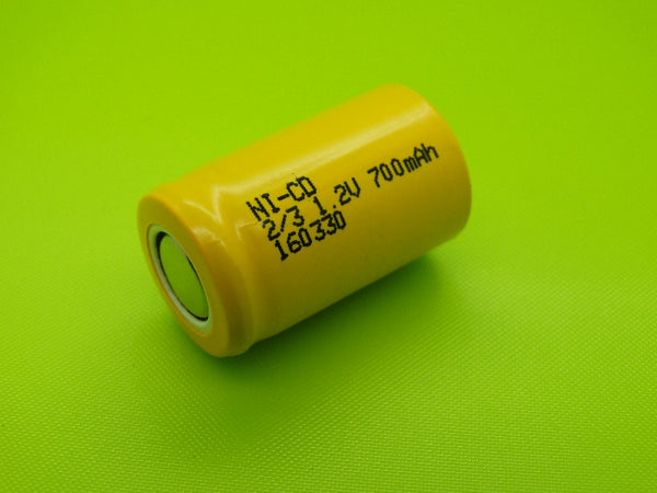 2/3 A 700mah Nicad Flat Top Cell