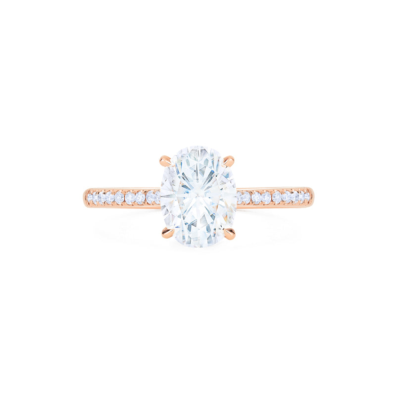 [Elaine] Modern Classic Oval Solitaire Ring in Moissanite