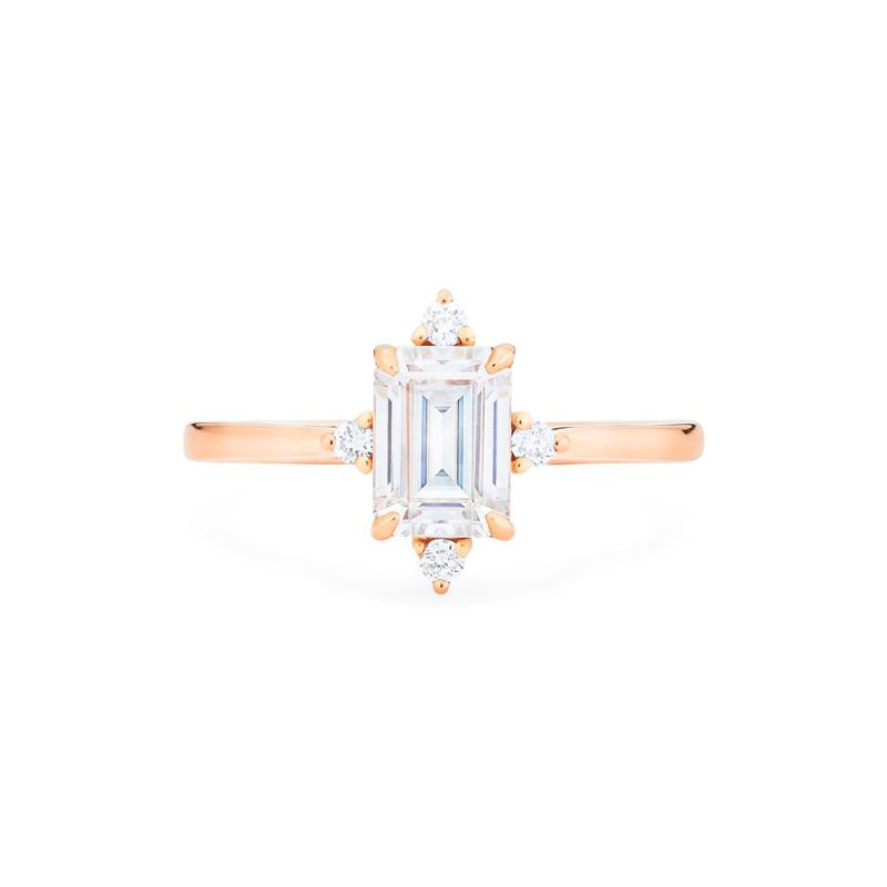 [Justine] Mid Century Emerald Cut Ring in Moissanite