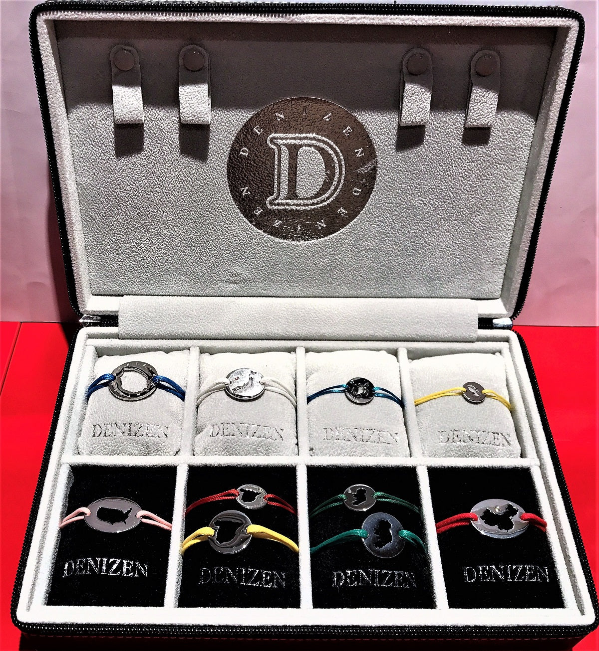 DENIZEN Bracelet demonstration pouch
