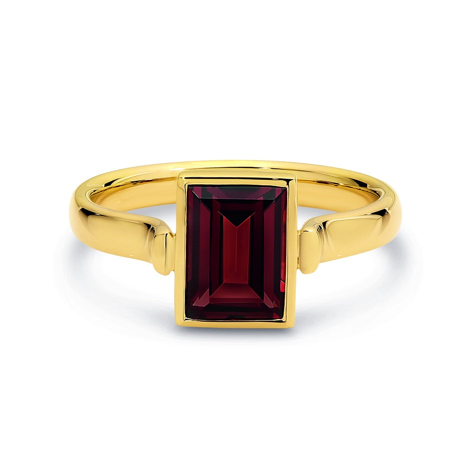 9ct Yellow Gold Garnet Dress Ring 8.5mm x 6mm Baguette Bezel Set