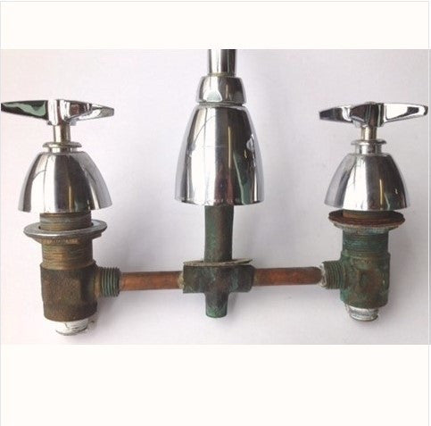 "Vintage Chicago Kitchen 8"" Faucet"