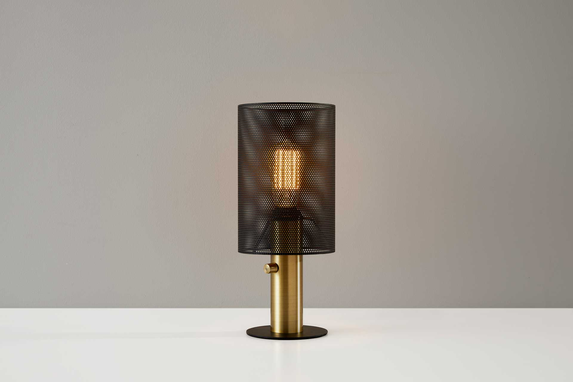 Niort Table Lamp Black/Antique Brass
