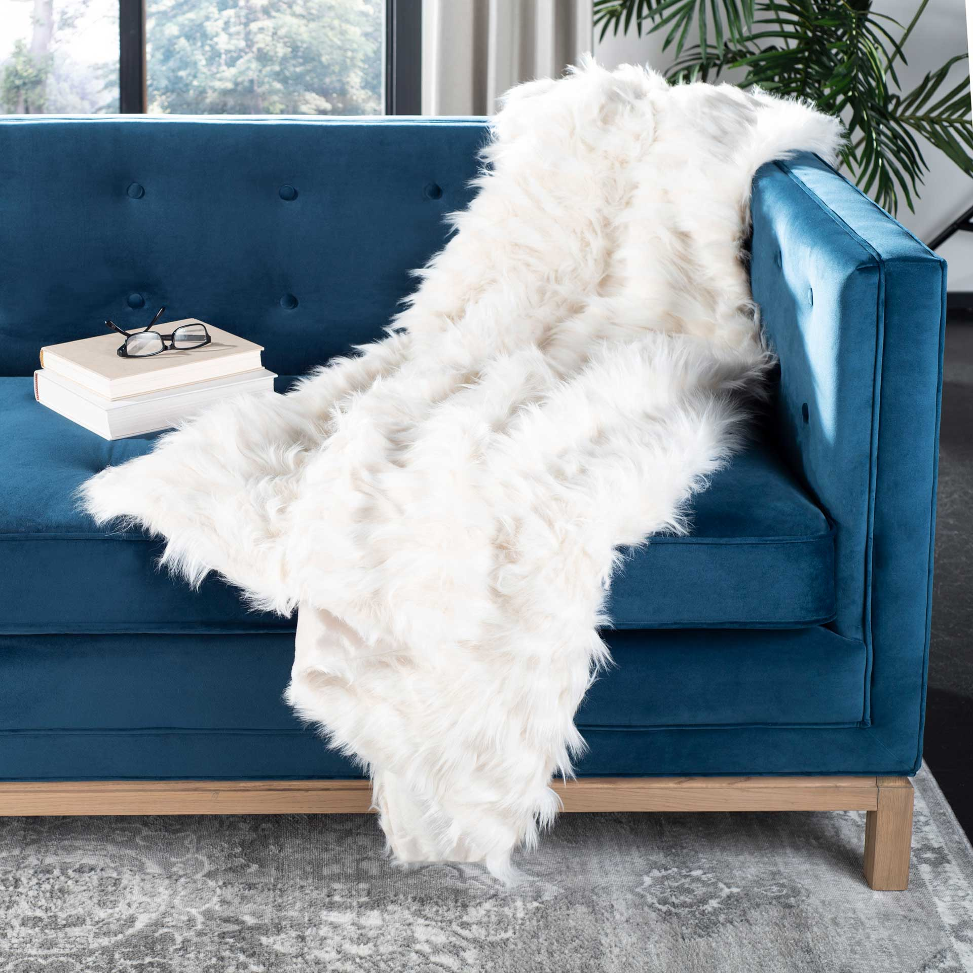 Lula Feather Throw White
