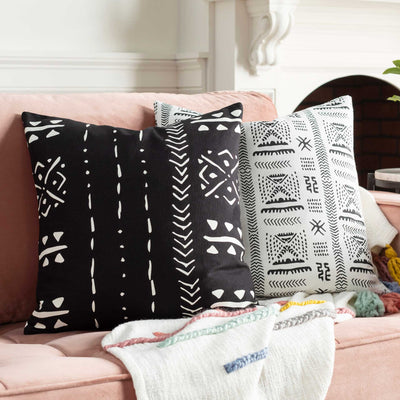 Moya Pillow Black