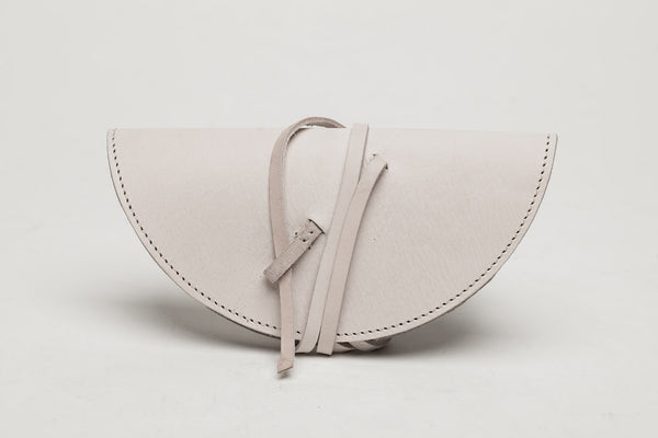 a basic sunglass case - cream