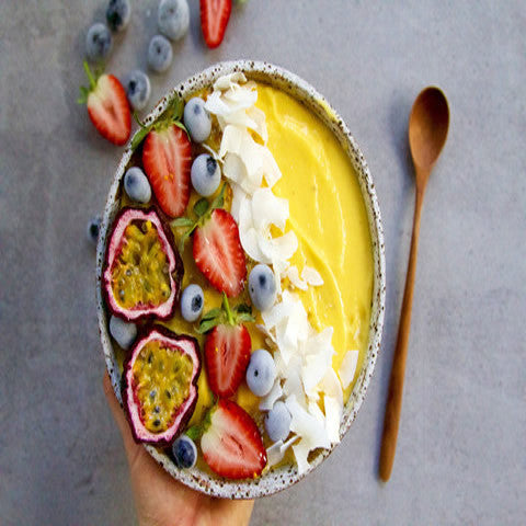 Vegan Mango Topical Smoothie Bowl