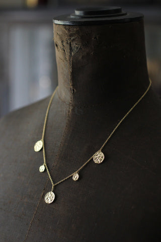 Goldplated Short necklace with round pendants