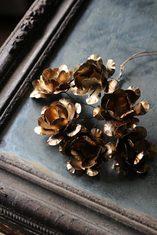 Metal flower bundle - gold