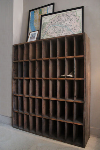 WOODEN PIGEONHOLE UNIT
