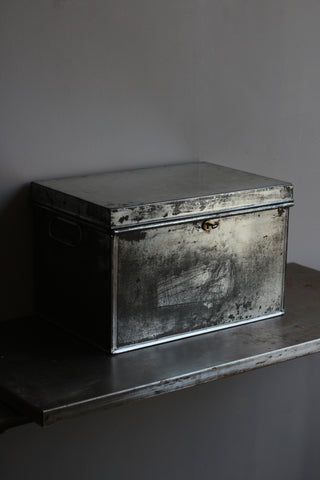 Vintage Deed Box (with key) A