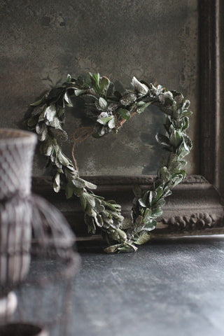 Hanging Mistletoe Leaf Heart