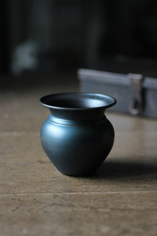 Mini Metal black Vase