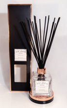 Load image into Gallery viewer, Summer Berries Reed Diffuser